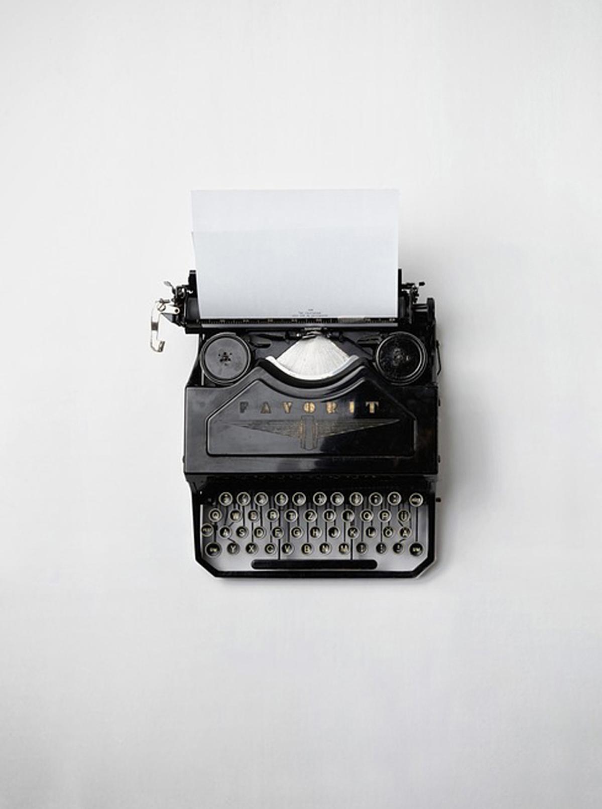 Schreibmaschine, Blogbeitrag MILLE FIABE, Katrin Ruoffner