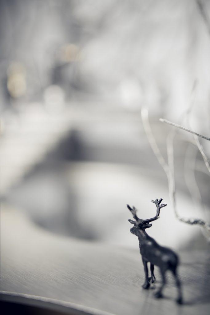 Objekt aus Spiegel und Edelstahl