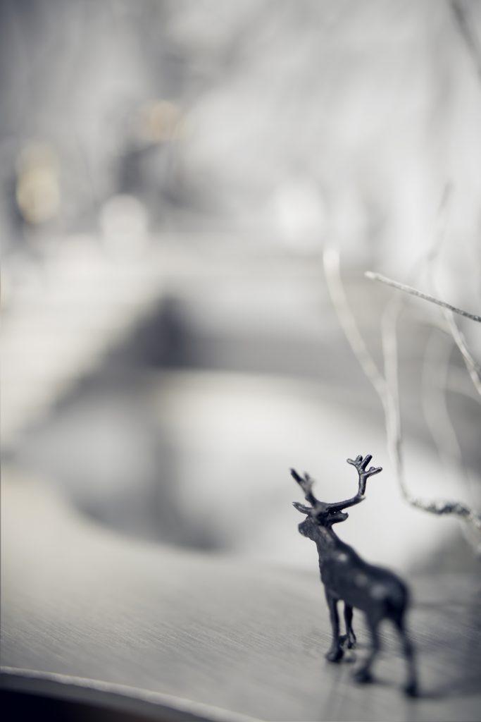 Objekt aus Edelstahl und Spiegel